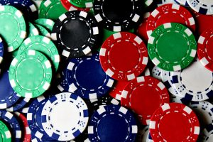 Pros and cons of playing casino