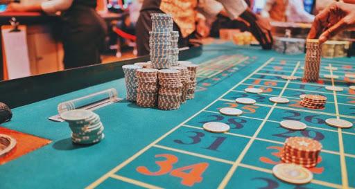 Using Poker Online Strategies to Understand Position